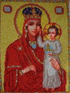 Икона Божьей матери с младенцем выполнена бисером Размер 26х19,5